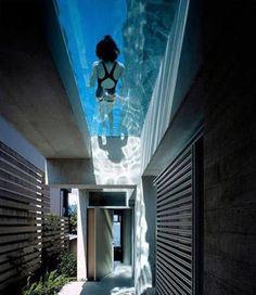 Vantaggi e svantaggi della piscina domestica su terrazzi o giardini