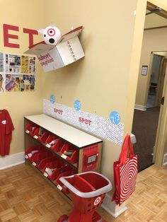 This Teacher Made Her Students A Tiny Target With Shopping Carts, Starbucks & Kids Play Store, Kids Grocery Store, Prop Box, Dramatic Play Centers, Preschool At Home, Preschool Ideas, Kids Daycare, Playroom Organization, Play Centre