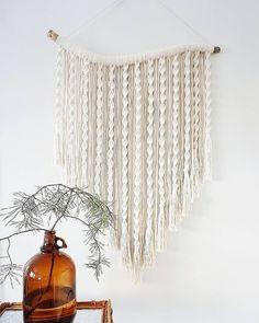 Macrame Wall Hanging Patterns, Macrame Art, Macrame Design, Macrame Projects, Macrame Patterns, Macrame Knots, Macrame Mirror, Macrame Wall Hangings, Driftwood Macrame