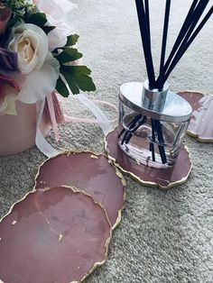 Resin coasters, handmade, coasters, centerpiece, pink coasters, round coasters, housewarming, gift, Gold Coasters, Table Coasters, Resin Crafts, Resin Art, Flower Box Gift, Crystal Resin, Pink Table, Centerpieces, Table Decorations
