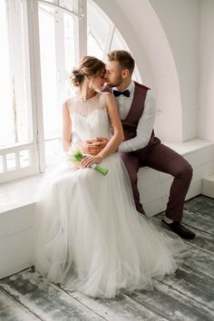 Wedding photography in a photo studio / Pavel + Daria Wedding Couple Poses Photography, Wedding Photography Inspiration, Wedding Poses, Wedding Photoshoot, Wedding Couples, Wedding Inspiration, Couple Style, Wedding Photo List, Photo Couple