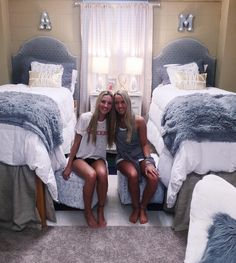 """857 Likes, 91 Comments - millie critchlow (@amilli_amilli_) on Instagram: """"we're. in. college...!! #so #crazy"""""""
