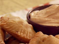 Get Poblano Cream Cheese Empanadas Recipe from Food Network Beef Empanadas, Empanadas Recipe, Quiche, Tapas, Food Network Recipes, Cooking Recipes, Poblano, Comida Latina, Pastry Blender