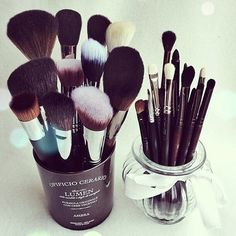 Makeup brush sets girly cute makeup pretty beauty cosmetics makeup pictures makeup brushes cosmetic pictures