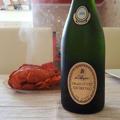 Poi voi fate come volete... #darapri #cuvee #astice #casadolcecasa #metodoclassico #italianstyle #luxurylifestyle #lobster #saturdaylunch #homesweethome #wine #whitewine #food #topfood #diegocentrico