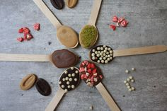 Pour lutter contre la monotonie de l'hiver et varier les plaisirs, voici quelques astuces pour twister votre traditionnel chocolat chaud en boisson chaude super créative!