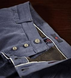 LEIN Japanese Selvedge Chino #saat #saatmunich crafted in Italy & designed in Germany clothing #fashion #brand #germandesign #minimal #androgyn #menswear #womenwear #unisex #selvedge #japan #japaneseselvedge#heritage #chino #office #officestyle #salvage #style #black #blue #Gabardine #detail #outfit #premium #madeinitaly #luxury #lifestyle Saatmunich.com