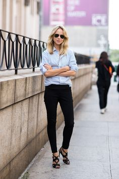 Casual chic from Elin Kling Elin Kling, Style Désinvolte Chic, Look Chic, Mode Style, Black Skinnies, Black Skinny Pants, Skinny Jeans, Casual Chic, Work Casual