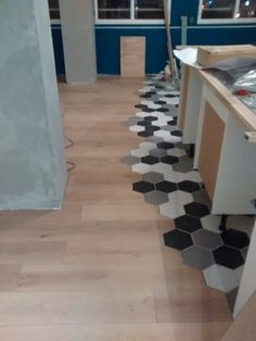 Revetement sol design parquet + carrelage hexagonnal