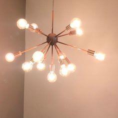 Lustre pendente moderno Sputnik em alumínio na cor cobre. + 13 lâmpadas LED 2W inclusas. Bivolt. Garantia de 12 meses. Confira!