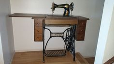 singer sewing machine.it has the original bill of sale from 1927 and instruction manual plus lots of accessories.