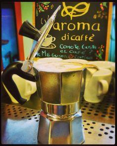 Sabor tradición y pasión  Vive una mágica experiencia y deléitate con el mejor café  #AromaDiCaffé Conócenos en el C.C. Metrocenter pasaje colonial. #AromaDiCaffé #MomentosAroma #SaboresAroma #Grecca #Caracas #QuieroUnCafé #BuscandoElCafé #Latte #Espresso #Café #Coffee #CoffeeLovers #CoffeeMoments #CoffeeTime #CoffeeBreak #InstaMoments #InstaCoffee