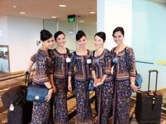 Singapore Airlines Flight Attendant Uniform