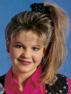 13 Hairstyles You Totally Wore in the DJ Tanner's high side ponytail Dj Tanner, My Hairstyle, Ponytail Hairstyles, 1980s Hairstyles, Fashion Hairstyles, Prom Hairstyles, Amazing Hairstyles, Hair Ponytail, Haircuts