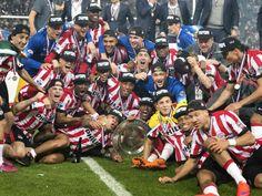 PSV kampioen van Nederland na zege op Heerenveen