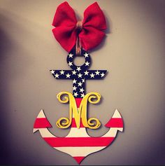 A patriotic monogrammed anchor door hanger Wood Projects, Craft Projects, Projects To Try, Wood Crafts, Diy And Crafts, Arts And Crafts, Burlap Door Hangers, Front Door Decor, Fourth Of July