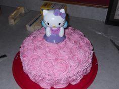 Lyla's Hello Kitty cake! Hello Kitty Cake, Hello Kitty Birthday, Birthday Bash, Birthday Ideas, Birthday Parties, Gateau Iga, Party Ideas, Gift Ideas, Little Miss