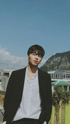 Kim Jinhwan, Chanwoo Ikon, Ikon Wallpaper, Cute Cat Wallpaper, Funny Fights, Koo Jun Hoe, Funny Boy, Always Smile, Yg Entertainment