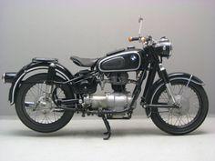 BMW R27 | Retro Motorcycle