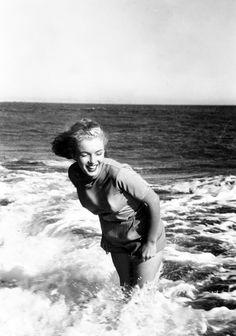 Marilyn Monroe photographed by Bill Burnside, 1948.