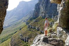 Learn about the history, flora and fauna of the Cape's most iconic landmark during a free walking tour on the summit of Table Mountain. Table Mountain, Mountain Hiking, Flora And Fauna, Walking Tour, Cape Town, Things To Do, Tours, Adventure, Mountains