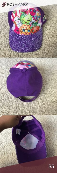 Shopkins hat Gently loved no stains or holes. Not sure of size but fits my 4 year old shopkins Accessories Hats