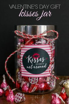 Cute and simple Valentine's Day Gift - Kisses Jar. An adorable and inexpensive way to gift kisses for Valentine's. day gift boyfriend day gift girl day gift him day gift ideas day gift kids day gift teacher Valentine Day Kiss, Valentines Day Chocolates, Cute Valentines Day Gifts, Valentines Gifts For Boyfriend, Valentine Chocolate, Chocolate Gifts, Valentine Crafts, Boyfriend Gifts, Handmade Valentine Gifts