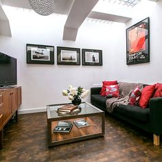 Black and red living room | Living room decorating
