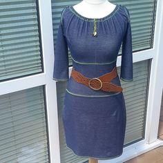 """Das ist Muriel aus dem Buch """"Näh Dir Dein Kleid"""" Habe 2 Größen """" zusammengebaut"""",Oberteil und Passe M, Rockteil L. Oberteil und Passe habe ich je um 2cm verlängert,ebenfalls den Saum☺Irgendwie hat mich auch noch die akute Coveritis gepackt.Das nächste Kleid wird auf alle Fälle farbenfroher. #nähen#sewing#janomecoverpro2000cpx #nähdirdeinkleid@rosa_und_das_einfache_leben#muriel #nähenverbindet #nähenistwiezaubernkönnen"""