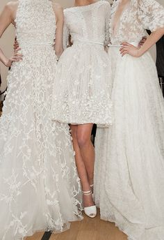 Dress formal winter ellie saab Ideas for 2019 Robes Elie Saab, Bridal Gowns, Wedding Gowns, Lace Wedding, Wedding White, Bridal Lace, Wedding Jewelry, Vestidos Vintage, Beautiful Gowns