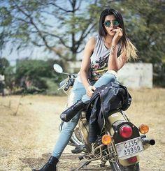 Hassanツ Cute Girl Photo, Girl Photo Poses, Girl Photography Poses, Girl Poses, Stylish Girls Photos, Stylish Girl Pic, Lady Biker, Biker Girl, Girl Riding Motorcycle