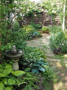 My Garden My Life Popular in Insta! Adult garden surrounded by miscellaneous trees perennial grasses and roses Cottage Garden Design, Small Garden Design, Side Garden, Garden Paths, Garden Art, Terrace Garden, Garden Stones, Small Gardens, Outdoor Gardens