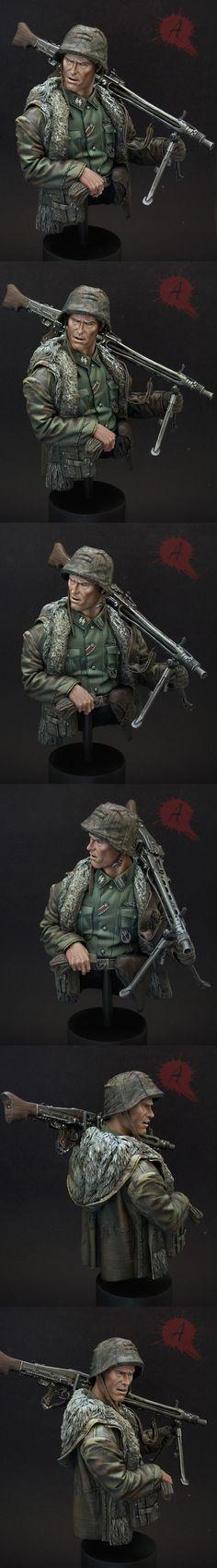 Waffen SS MG42 Gunner