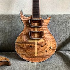 The whole image of the guitar and the layout of the pickups Body and neck joint is completed. I have started other detailed work. ネックとボディのジョイントと その他細々とした作業中です ここ数日、 台風情報では一日中雨の予報だったので⛈ 今日は日曜ですが、 一日作業の日にしました。 が...今のところ雨も風も全くナシ まぁ、台風は来ない方がいいけど。 #guitar #guitarist #luthier #guitarmaking #guitarbuilding #gibson #fender #prs #lespaul #stratocaster #telecaster #hollowbody #semihollow #岐阜市 #guitarra #吉他 #rock #metal #blues #jazz #music # #woodparts #wood #setneck #台風こないでね#ギター