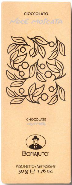 Bonajuto Cioccolato Noce Moscata Nutmeg... Μαύρη σοκολάτα με μοσχοκάρυδο. Εντονο άρωμα κακάο με νότες μπαχαρικού χωρίς να φαίνεται ότι είναι μοσχοκάρυδο. Νόστιμη απαλή γεύση κακάο με πολύ απαλή νότα απροσδιόριστου μπαχαρικού. Κριτσανιστή υφή από την κρυσταλλική ζάχαρή και του κακάο λόγω της ψυχρής επεξεργασίας τους (42-45 οC) στην οποία δεν αλλοιώνονται. Ξεχωρίζει για την υφή και το κακάο της. Chocolate World