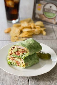 Mar 2016 - California Turkey Club Wrap - a delicious lunch! Quick Healthy Lunch, Healthy Lunches For Work, Healthy Wraps, Easy Healthy Breakfast, Healthy Foods To Eat, Healthy Snacks, Healthy Recipes, Healthy Eating, Dog Recipes