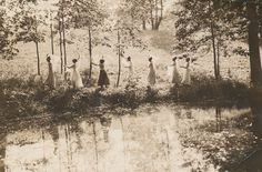 Sweet Briar College May Day, 1912. Sweet Briar College, some rights reserved. CC-BY-NC.