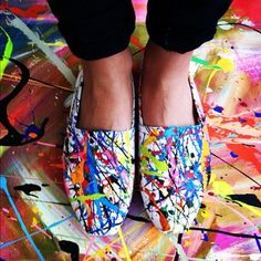 DIY Splatter Sneaks! Start with plain whites; and have it (acrylic paints and thin paint brushes to splatter) - Love this!