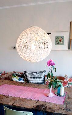 Ihana lamppu ja pöytä!