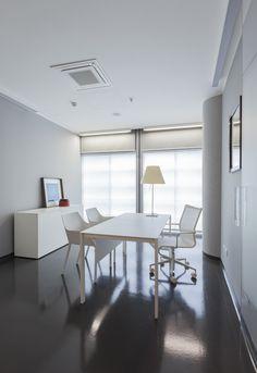 CML Centro Medico Lombardo Milan project studio b+m  www.bolzonimossa.com  photos by Guido Barbagelata http://www.guidobarbagelata.it