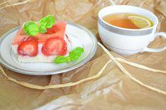 Aga w kuchni: Ciasto grysikowe z truskawkami - ciasto bez piecze...