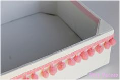 Caja de fruta reciclada con madroños - Recycled fruit box