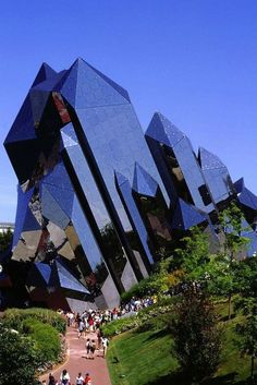 Futuroscope theme park in Poitiers, Poitou-Charentes Region, France. By architect Denis Laming. Unusual Buildings, Interesting Buildings, Amazing Buildings, Modern Buildings, Famous Buildings, Architecture Unique, Futuristic Architecture, Landscape Architecture, Boston Architecture