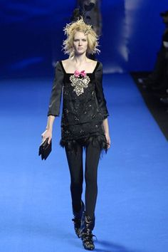 Christian Lacroix Fall 2007 Ready-to-Wear Collection Photos - Vogue