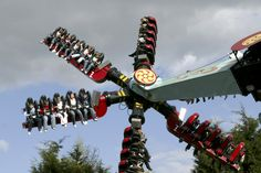 Thorpe Park information - Amusement park with white-knuckle rides, boating trips and Europe's fastest roller coaster. Fastest Roller Coaster, Roller Coaster Ride, Roller Coasters, British Holidays, Thorpe Park, Abandoned Theme Parks, Coaster Art, Attraction, British Travel