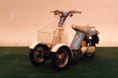 古くは1976年頃、ヤマハは爆発的に普及したスクーター「パッソル」をベースにフロント2輪にしたモデルを開発、特許を取得しています。