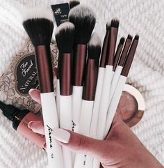 pinterest: KCMarez↞ Makeup brushes