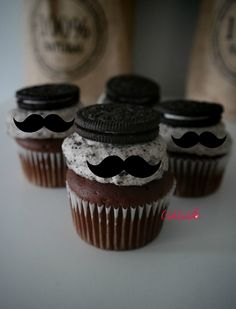 Completely happy Father's day! Oreo Torta, Oreo Cake, Chocolate Cupcakes, Fathers Day Cupcakes, Fathers Day Cake, Happy Fathers Day, Holiday Cupcakes, Mini Cupcakes, Mustache Cupcakes
