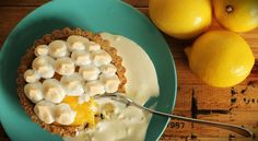 LCHF Lemon Meringue Pie