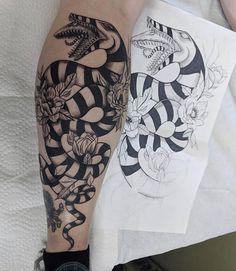 Spooky Tattoos, Tattoos Skull, Leg Tattoos, Body Art Tattoos, Sleeve Tattoos, Cool Tattoos, Tatoos, Beetlejuice Tattoo, Tattoo Ideas